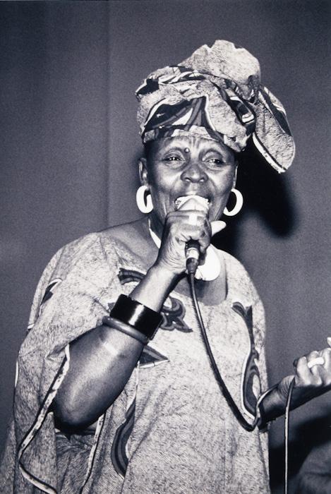 Dorothy Masuka aux Rencontres Trans Musicales de Rennes (1991)   Association Trans Musicales